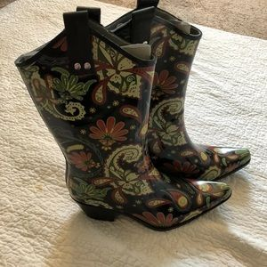 NWOB Nomad Yippy Paisley Rubber Western Boots,Sz 8